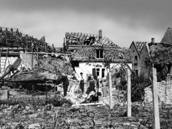 Zerstörungen im Ort