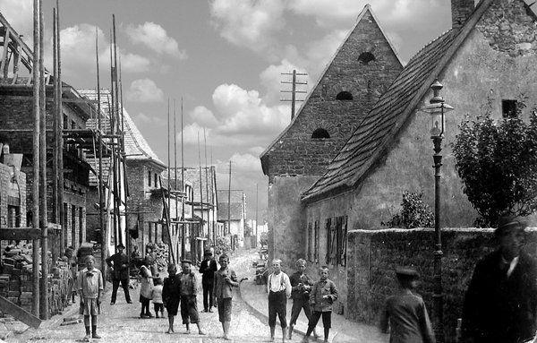 Wiederaufbau Die Rheinstrasse