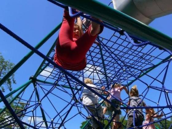 Oppau 3.6.2009 Spielplatz-Einweihung im Park