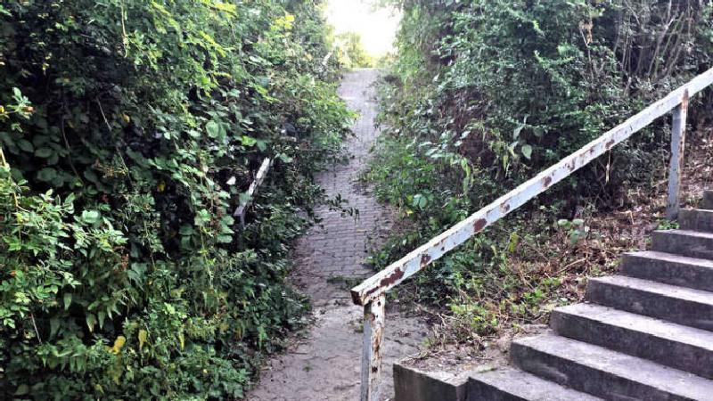 Rampe an der Treppe