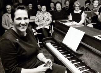 Die studierte Kirchenmusikerin war maßgeblich am Aufbau und der erfolgreichen Leitung des Kirchenchores beteiligt