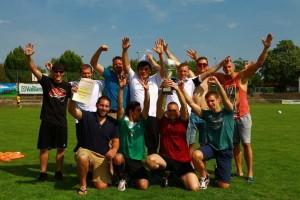 Die erfolgreiche Mannschaft des VfR Friesenheim jubelt über den Sieg