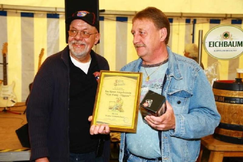 Ehrung für 40 Jahre Mitglied im Verein: Walter Gönnheimer (2.vl)
