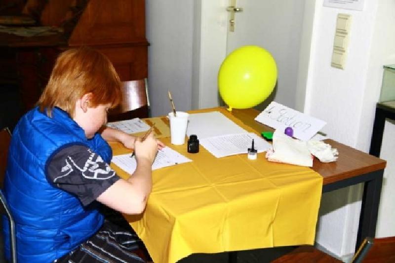 Unterricht wie früher mit Tinte schreiben