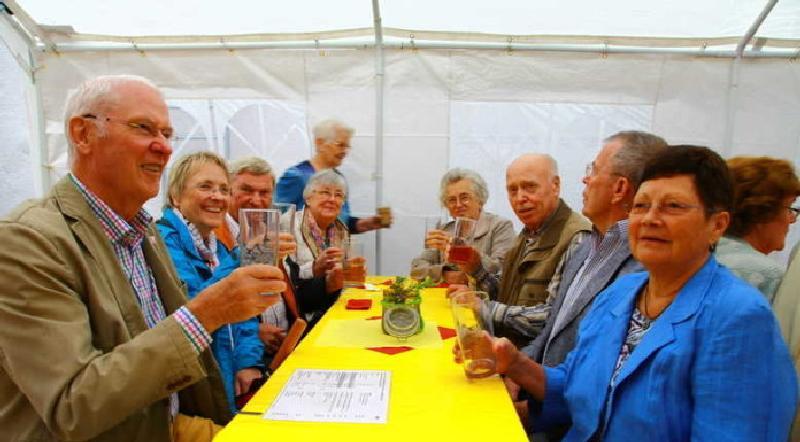 Oppauer und Edigheimer treffen sich beim Sommernachtsfest
