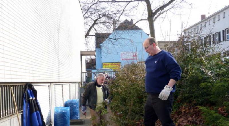 """Aktion """"Saubere Stadt"""" Reinigung rund um's Bürgerhaus."""