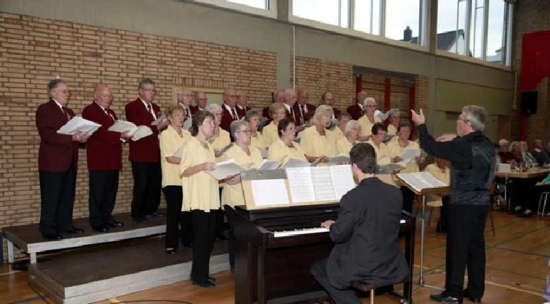 Thalia Harmonie, Leitung Gerhard Egersdörfer, Klavier - Jochen Weber - Archivaufnahme 19.10.2013