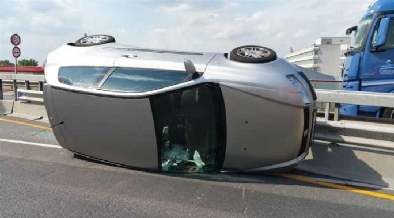 Unfall auf der Pylonbrücke