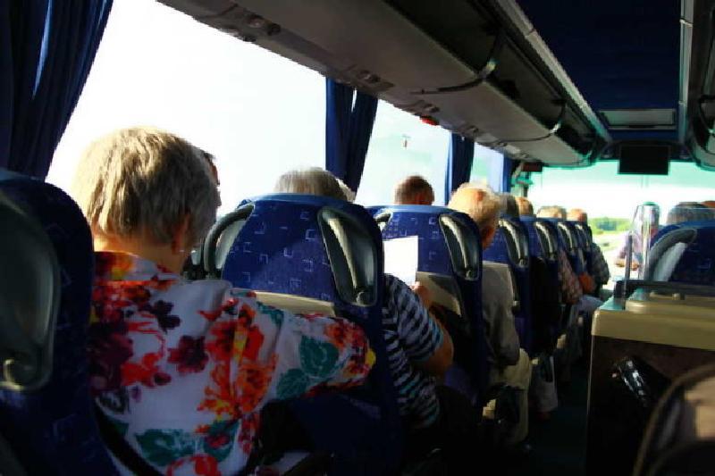 Fahrtteilnehmer im Bus zur Landesgartenschau