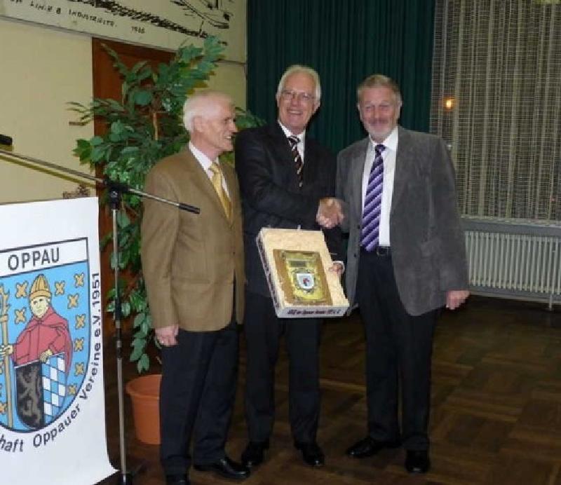 v.l. Werner Zureck, Alfred Schneider, Hubert V.Eisenhauer, Verleihung des ARGE-Wappenschildes 20.11.2011