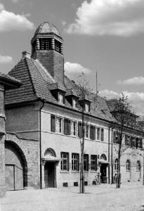 09.11.1930 Das Postamt Oppau erhält ein eigenes Gebäude
