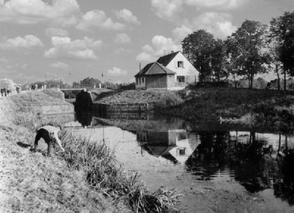 """Hinter der """"Schwarzen Brücke"""""""