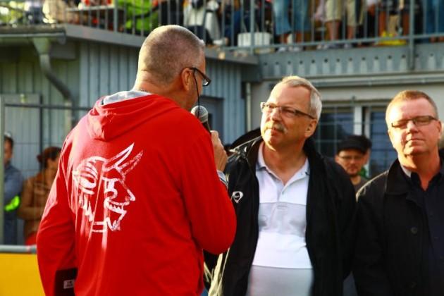Bürgermeister Wofgang van Vliet mit FCK-Stadionsprecher