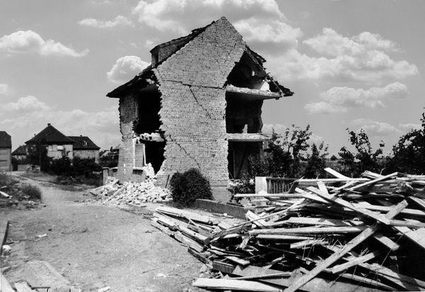 Oppau 3.9.1944 Liebigstr. 5, (Franz-Lappe-Str.)