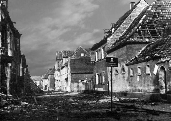 Oppau 1941. Friedrich-Str. , Warnung vor Blindgänger