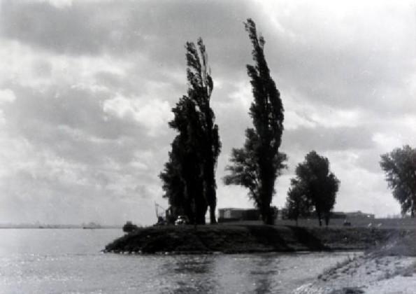 Am Rheineinfluss des Kanales