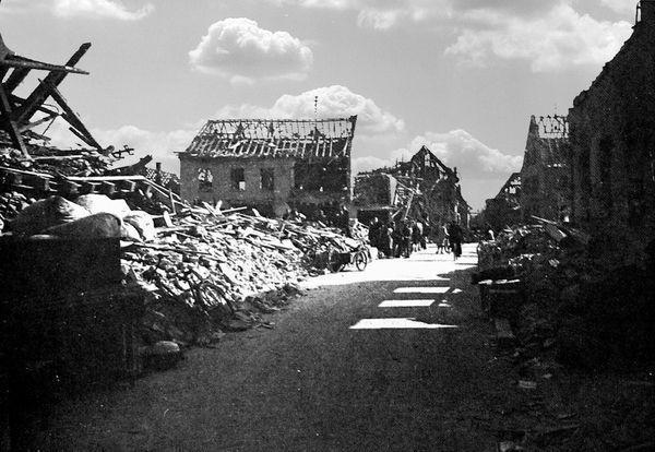 Oppau 1943 Schul-Str. (Grosse Gasse) Richtung Pilger-Str.
