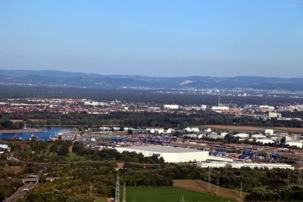 KTL und Landeshafen.