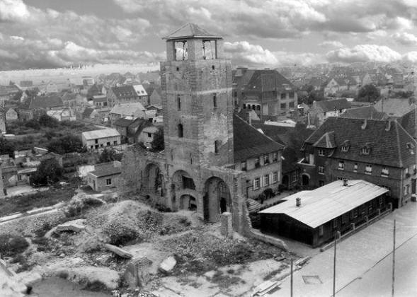 Oppau 1945 die zerstörte kath. Kirche.