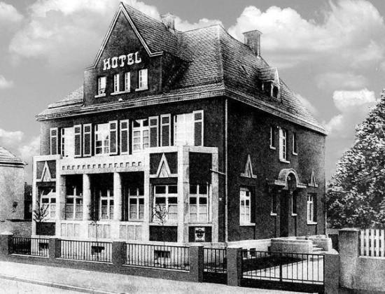 LO: Oppau um 1940 Kirchen-Strasse, Hotel Weinberg. Besitzer A.Mültin