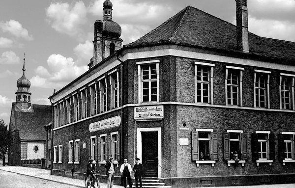 LO: Oppau 1924 Kirchen-Str Ecke Grosse Gasse, Zum Deutschen Haus,