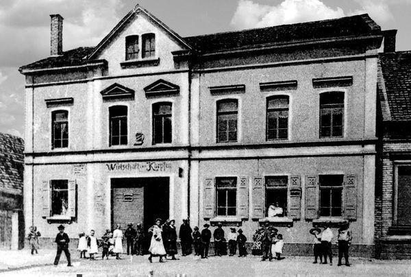 LO: Oppau 1910 Kirchen-Str/Grosse Gasse, Gasthaus Zum Karpfen.