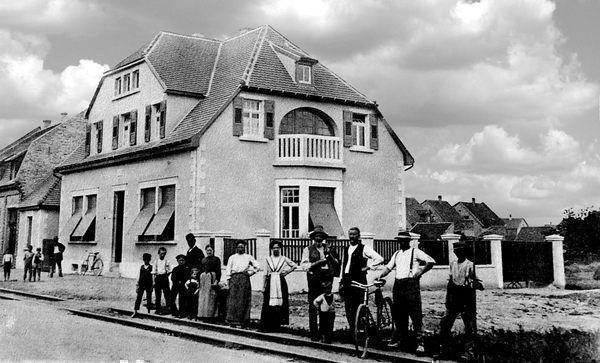 LO: Oppau 1911 Zur schönen Au, Friesenheimer-/Park-Str. (Fritz-Winkler-Str.)