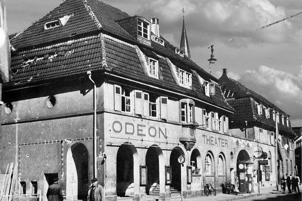 Oppau 1943. Odeon-Theater Edigheimer-/Zehent-Str, 1943 vollständig zerstört.
