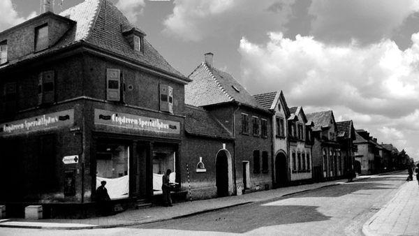 OR: Oppau 1938 Edigheimer-/Bismarck-Str. (August-Bebel-Str.) Cigarren-Haus Löb