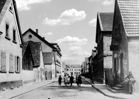 OR: Oppau 1906 Grosse Gasse, Oben: Gasthaus zum Karpfen
