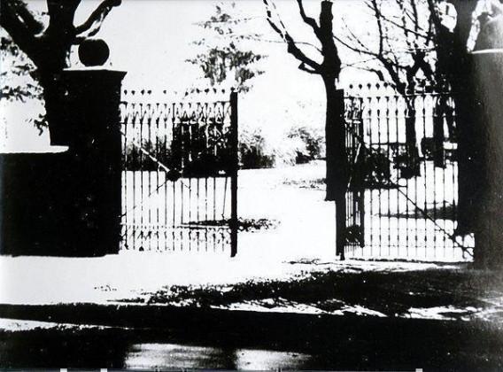 PA: Oppau um 1920. Eingangstor zum alten Friedhof