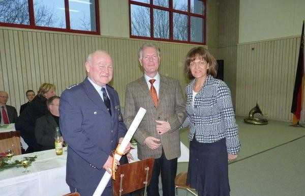 PI2 Einweihung. v.l. Georg Frey, Pi2-Leiter, Pol.-Präsident Fromm, OB Dr. Eva Lohse