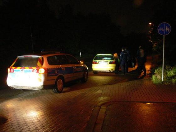 Kontrolle der jungen Personen im PKW an der Einbiegung Frankenthalerstrasse/Schlangenweg. Und wieder Diskussionen und weitere Massnahmen.
