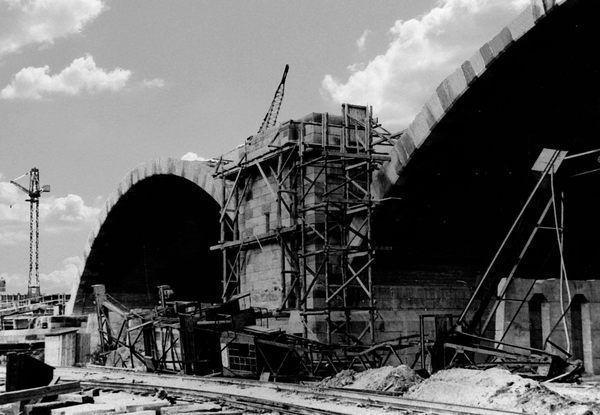 RH: Edigheim Oktober 1940 Reichsautobahnbrücke (Theodor-Heuss-Brücke) im Bau.