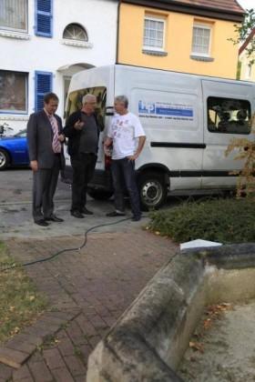 Martin Hebich, Frankenthaler Bürgermeister, im Gespräch mit Manfred Götz und Stefan Jeske, von der Firma hp.dienste Mannheim.