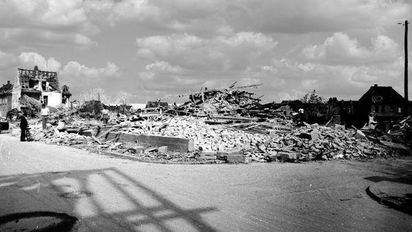 Oppau 18.8.1944 Weiherhof 17 und 19 (städtische Anwesen)