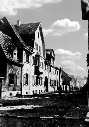 """Oppau 1941. Gasthaus """"Zum weißen Lamm"""" in der Friedrich-Str."""