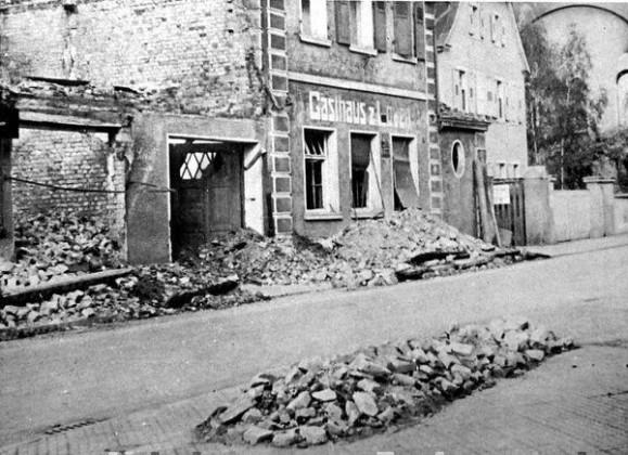 """Oppau 1943 Gasthaus """"Zum Löwen"""" heute """"Zum Leo"""", Kirchen-Str."""