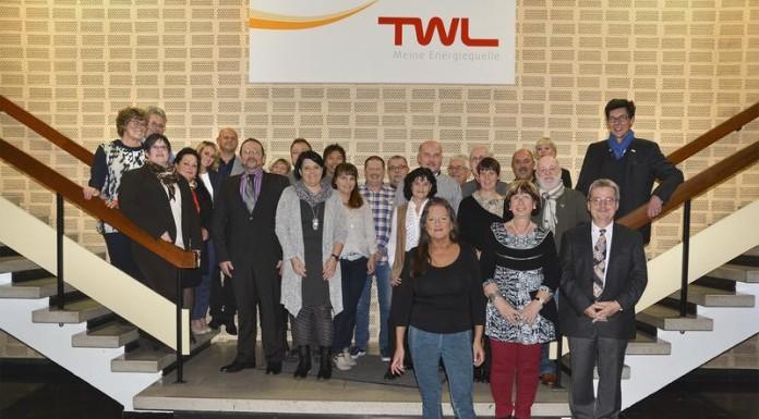 Dr. Hans-Heinrich Kleuker (ganz rechts) dankte den TWL-Jubilaren für ihre langjährige Betriebszugehörigkeit.