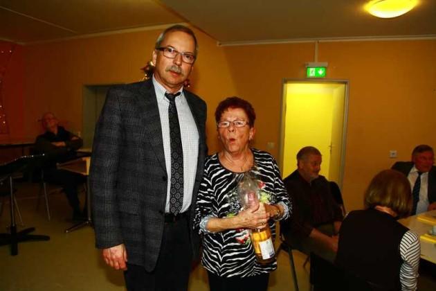 Bürgermeister Wolfgang van Vliet mit Lore Frech
