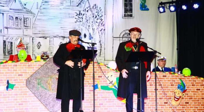 Bubbes un Schnookes alias Hans Peter Schmitt und Hubert Valentin Eisenhauer mit Klatsch und Tratsch über ihre Frauen - Archivbild 2016