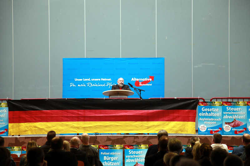 Ludger Sauerbohm, ehemaliger Grüne stichelt in Richtung seiner alten Partei