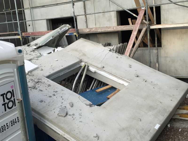Die Betonplatte ist gebrochen. Damit kann an diesem Tag nicht mehr weitergearbeitet werden. Foto: Frank Bauer