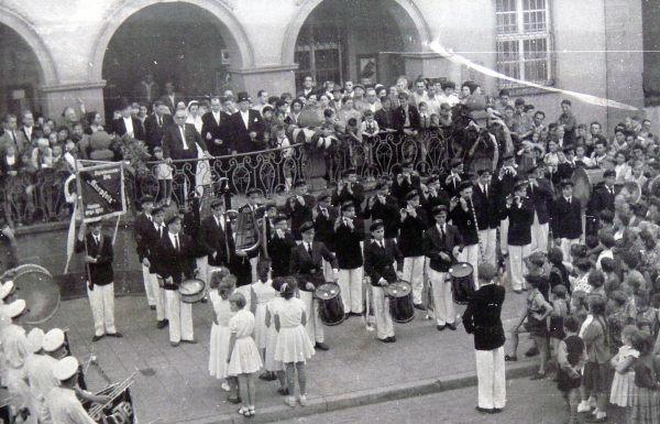 18.8.1956 Kerweeröffnung am Oppauer Rathaus