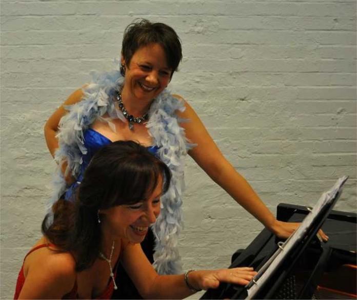 Sopranistin Bettina Kerth und Silvia Ritter Piano