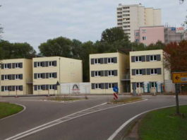 Das Asylantenheim Kranichstrasse ist fertiggestellt. Der Ortsbeirat hat die Wohnungen besichtigt. Nun geht es an die Abschlußarbeiten