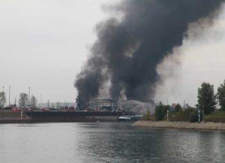 Brand im Landeshafen Nord