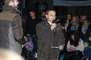Schulleiter Frank Haber eröffnet das Fest