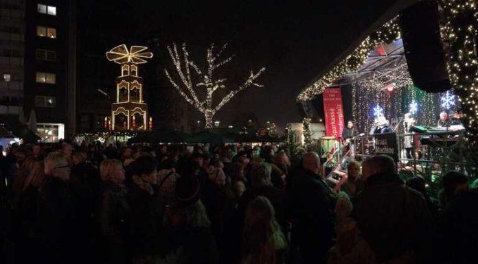 Ludwigshafener Weihnachtsmarkt am Samstag, 17. Dezember, gegen 20 Uhr^
