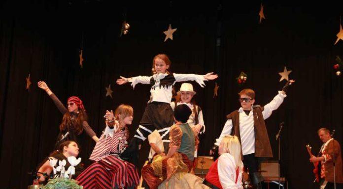 """Theaterpädagogisches Projekt """"Out"""" der Jugendfreizeitstätte BIL"""